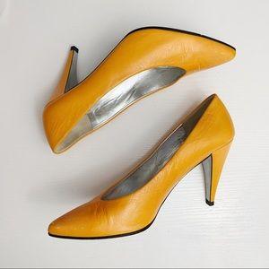 Charles Jourdan Paris Orange Leather Point Heels